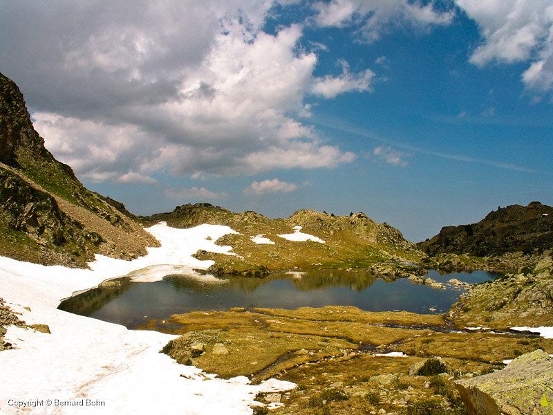 lac no name montée vers col de Bastan